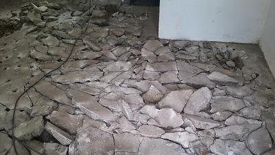 Aufgestemmter Betonboden